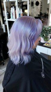 Tyvikasvun vaalennus ja laventeli väri