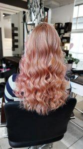 Vaaleanpunaista raitaa